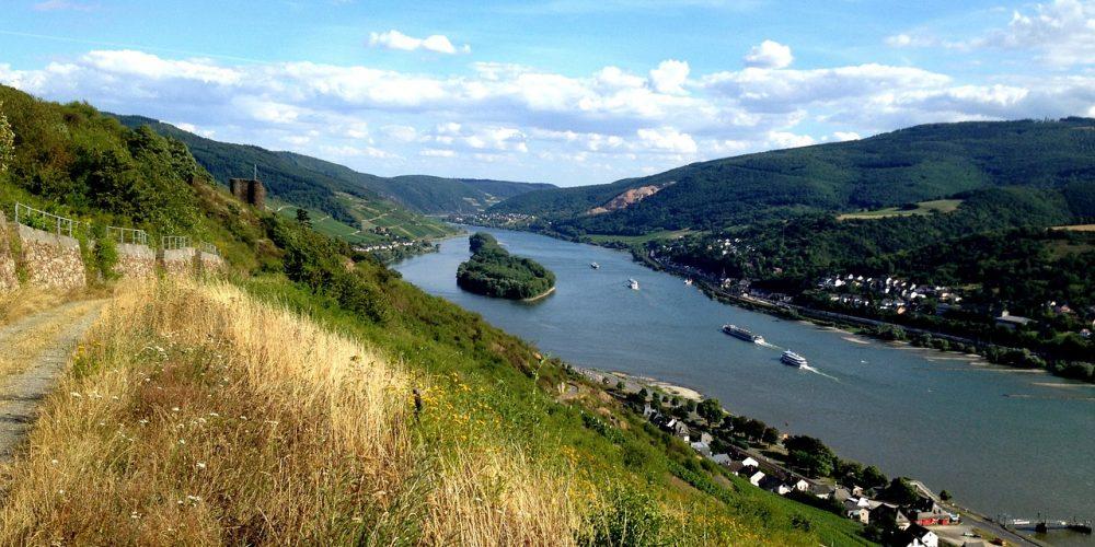 Otroliga kullar över floden